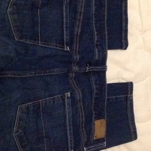 American Eagle skinny jeans size 8 dark wash